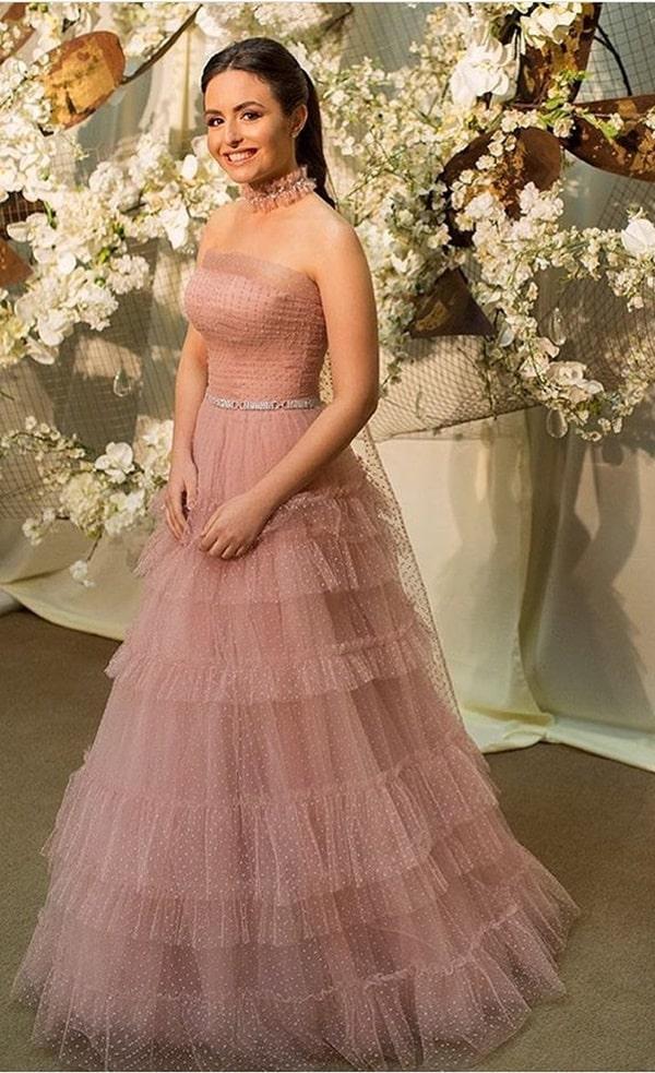 vestido de festa longo rosa nude em tule de poás para madrinha de casamento