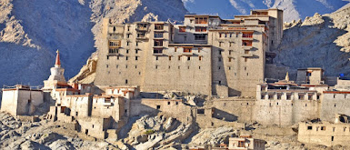 Places to visit in Jammu and kashmir (The royal leh palace)