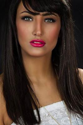 قصة حياة علا ياسين (Ola Yaseen)، ممثلة فلسطينية، من مواليد 1995 في السعودية.