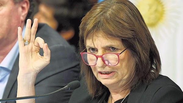 Patricia Bullrich: ''Si pasan hambre, tienen los comedores''