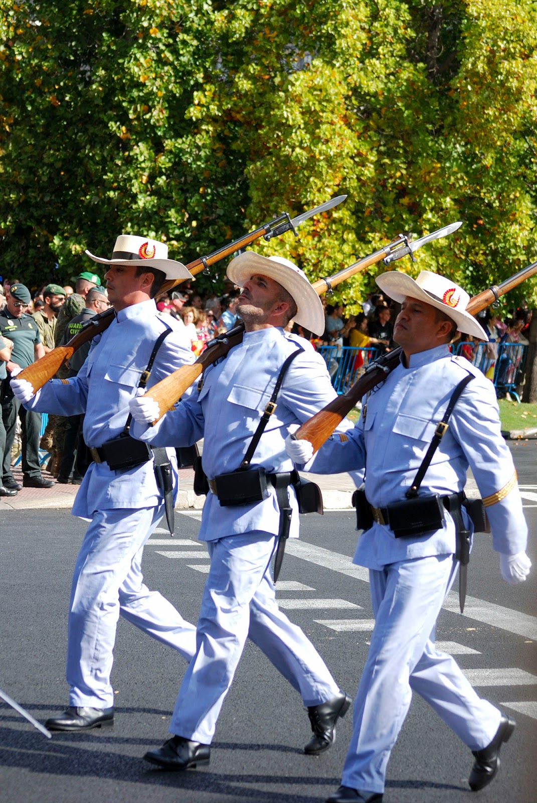 military parade madrid spain national hispanic columbus day