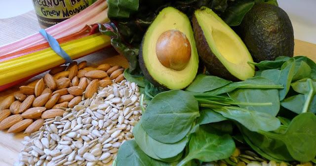 Buah dan daun alpukat sebagai obat penyakit maag