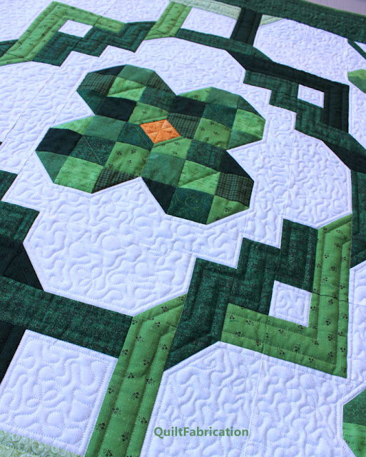 green irish chains and clover in a quilt