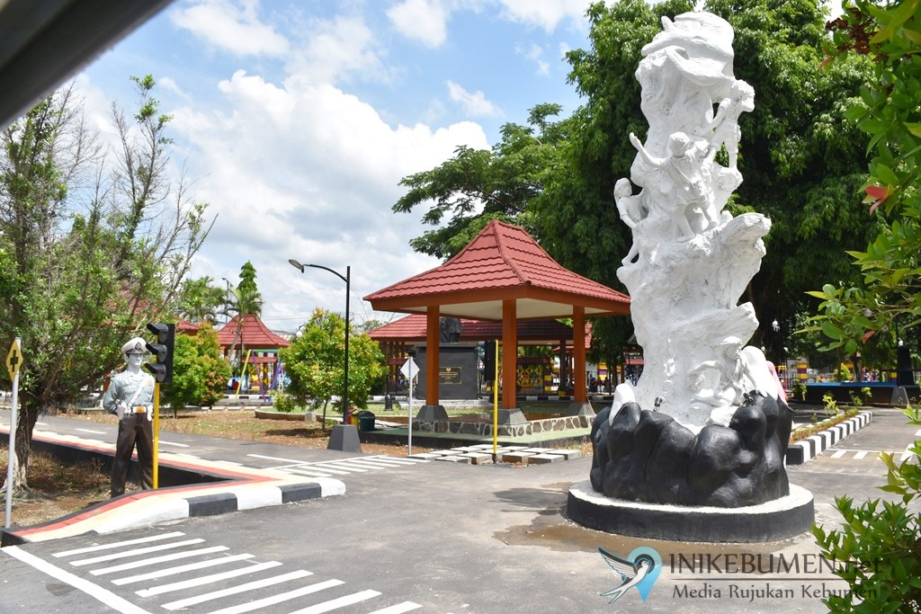 Wow! Wajah Baru, Ada Tugu Lawet di Taman Kota Kebumen