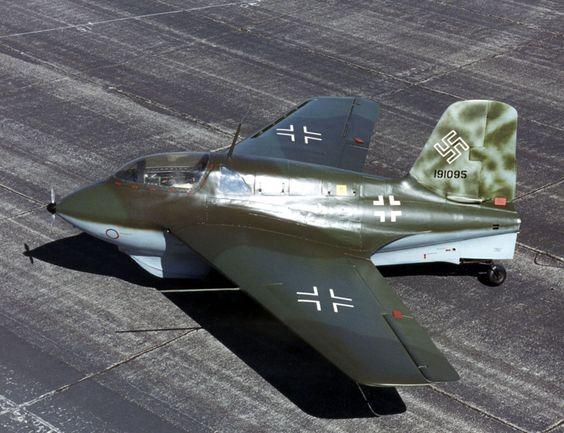 Me 163 Komet worldwartwo.filminspector.com