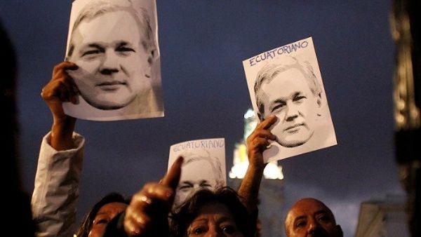 Roger Waters insta a Ecuador a mantener asilo de Assange