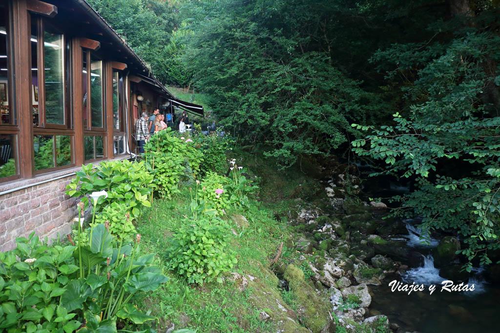 Río junto al Merendero de Covadonga, (Asturias)