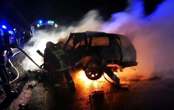 В аварії під Чернівцями згоріли три людини