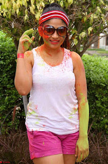 Madhulagna Das Playing Holi Celebrations in white Tank Top 04.jpg