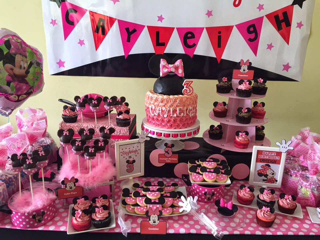 Minnie Mouse Cake Cupcakes Cookies Amp Cake Pops