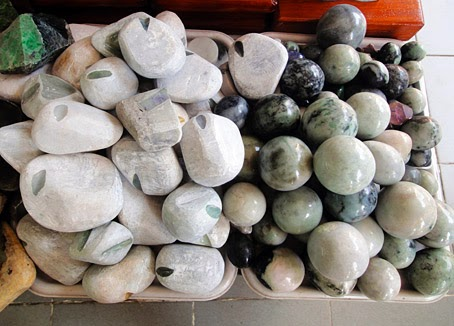 Rough jade stones