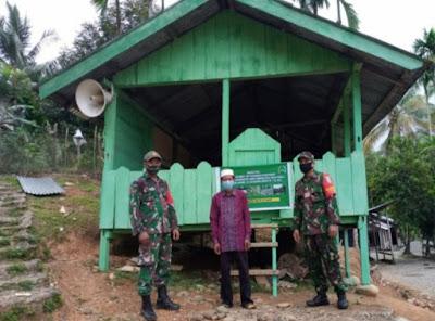 Babinsa Koramil 01/Sungai Mas Wujudkan Tempat Pengajian Anak Agar Lebih Layak