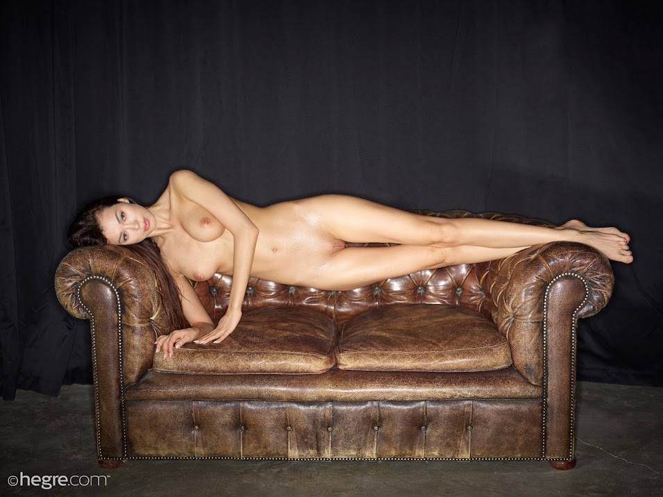 [Hegre-Art] Nicolette - Body Shots