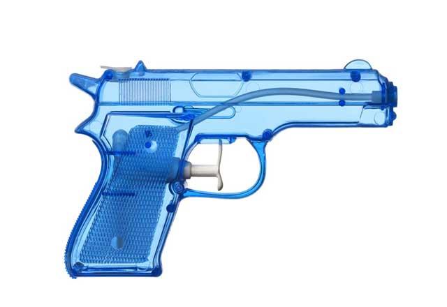 Melukai Orang Dengan Pistol Air