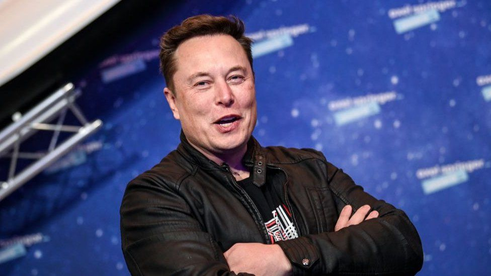 Tesla CEO Elon Musk has made another blast. Elon Musk, once the richest man in the world, has earned $ 25 billion in a single day. Let us tell you that Musk lost $ 27 billion in assets in just four days.  Indeed, shares of his company Tesla rose 20 percent on Tuesday. This led to Musk's wealth reaching $ 174 billion. Musk is now very close to the world's richest man, Amazon CEO Jeff Bezos, according to the Bloomberg Billionaire Index.  After a three-week decline, US Tech shares saw a huge rally on Tuesday. Bezos had a profit of $ 6 billion, taking his net worth to $ 180 billion. Musk and Bezos have been battling for the top spot on the Bloomberg Wealth Index since taking over as founder of Tesla in January.  Forbes' real-time billionaire ranking provides information about fluctuations in public holdings everyday. The index is updated several times a day after the stock market opens in different parts of the world. In such a situation, the ranking of famous people keeps changing due to the fall in shares.