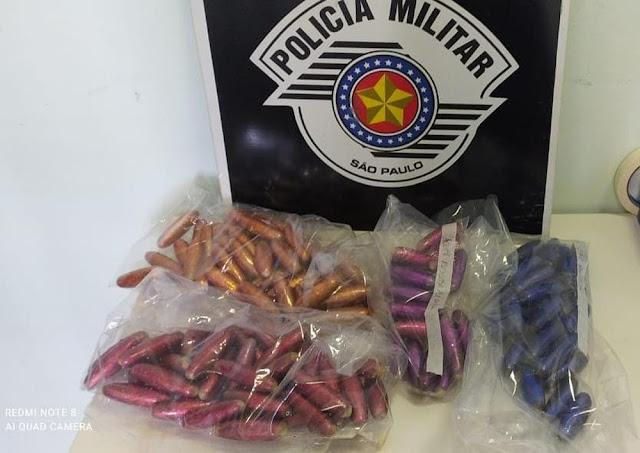 Bolivianos são presos por tráfico internacional de drogas por transportar invólucros de pasta base de cocaína dentro do estômago