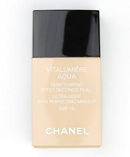 Chanel Vitalumiere Aqua Ultra-Light Skin Perfecting Makeup Foundation review