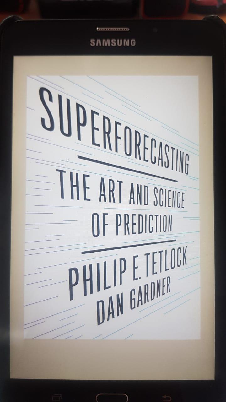 buku Superforecasting