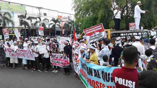 Aksi Damai di Pati Diapresiasi dan Tetap Menjaga Kebersihan Selama Demo