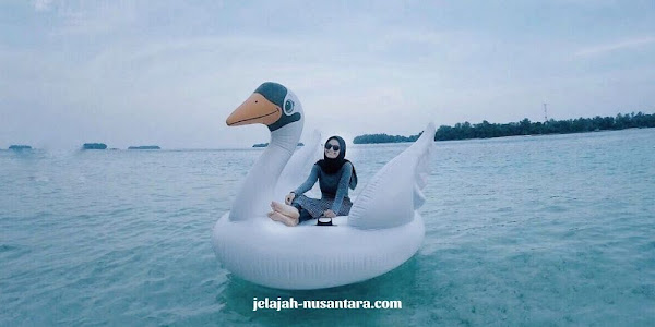 permaianan wisata pantai private pulau harapan