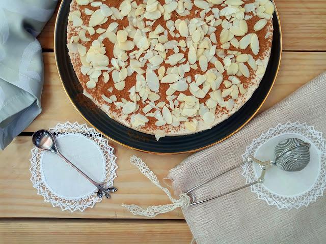 Tarta de horchata sin horno en Monsieur Cuisine o Thermomix. Receta de verano, postre, merienda, pastel fácil, rico, sin horno, fresquito. Cuca
