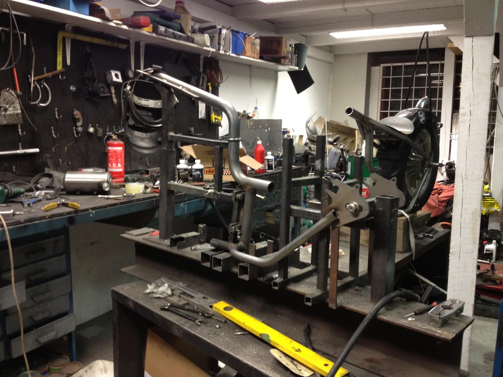 f383c499bd76 Detta skall göras på stelbenssportster!!! Vi håller nu på som bäst att få  klart allt som skall monteras på de tre bågarna vi har därborta.