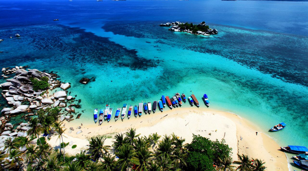 3 tempat wisata di indonesia cewek cantik kepaulau dan laut indha manis