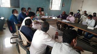 जिला पंचायत सीईओ ने खैरलांजी में की ग्रामीण विकास कार्यों की समीक्षा बैठक