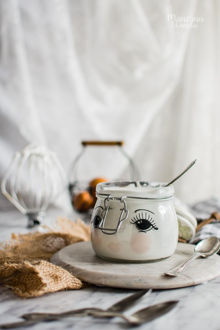 Crema casera de marshmallows. Receta básica y muy fácil.