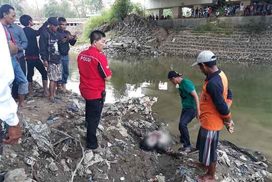 mayat di sungai cisanggarung tanpa identitas