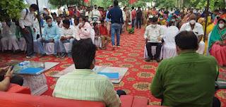 #JaunpurLive : जिलाधिकारी ने चौपाल लगा कर सुनी लोगो की समस्याएं