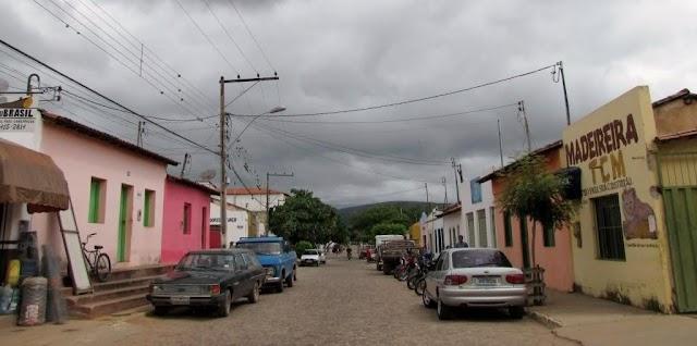 Mulher morre durante tiroteio entre policiais e bandido em Ituaçu