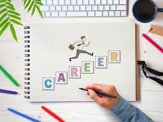 管理職だけがキャリアアップの道ではない