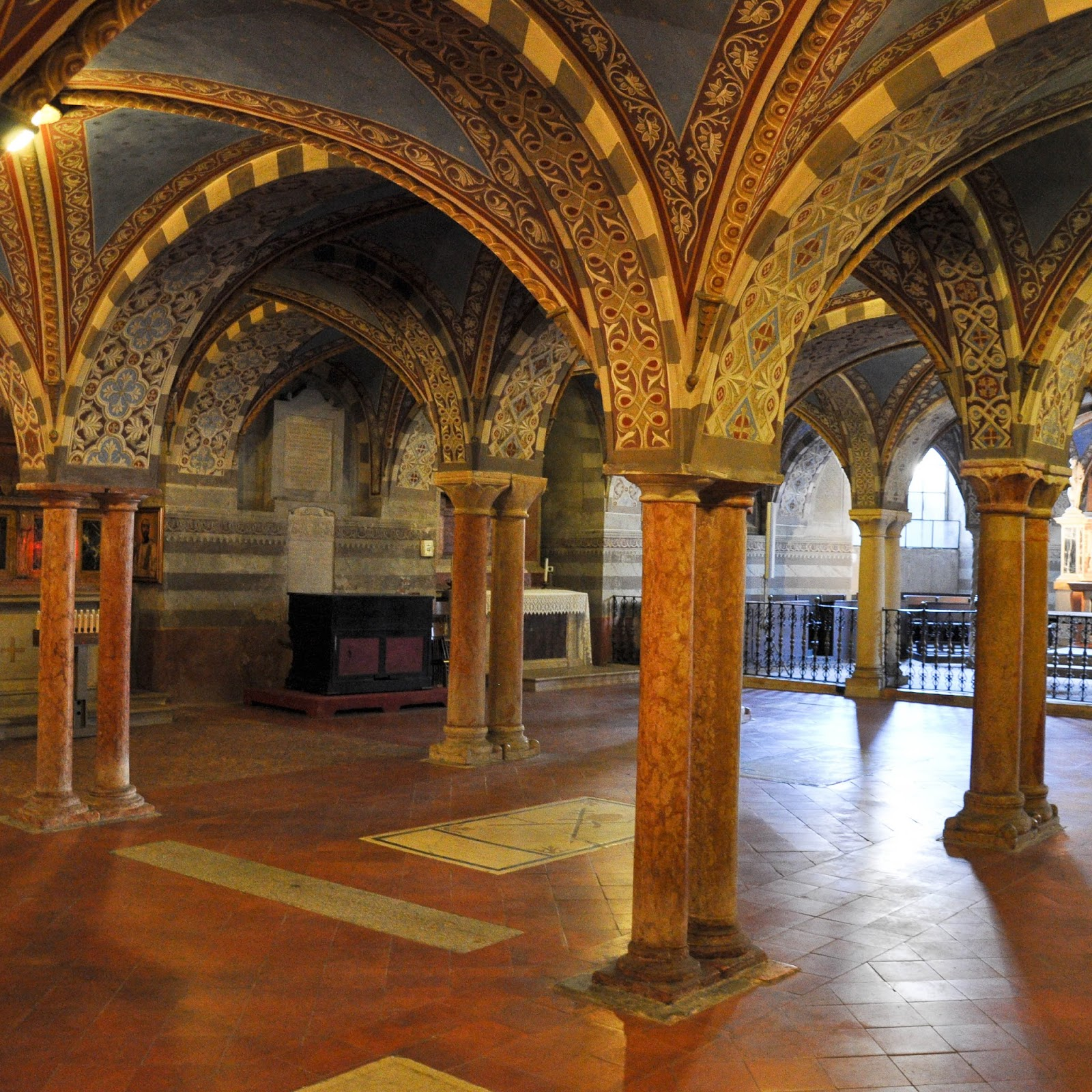 Inside the crypt, Duomo, Cremona, Italy