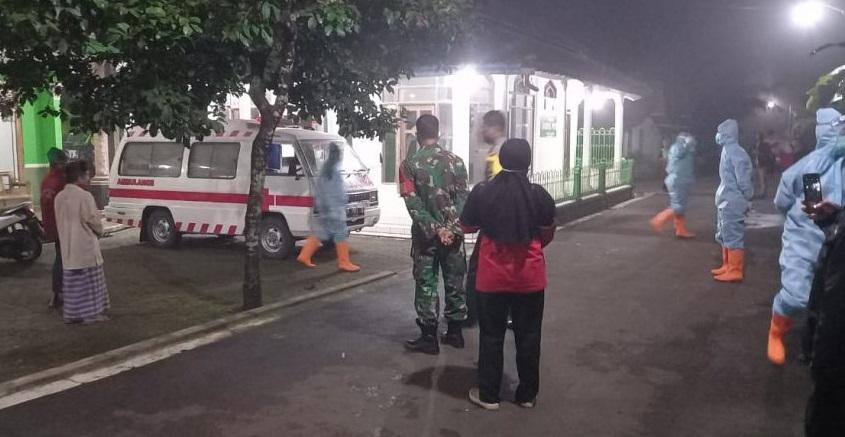 Lagi, Polisi Kawal Pemakaman Warga Bukateja dengan Protokol Covid-19