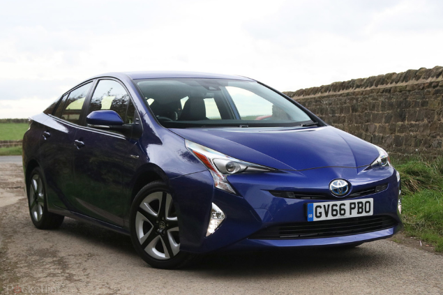2016 Toyota Prius Driven! Review