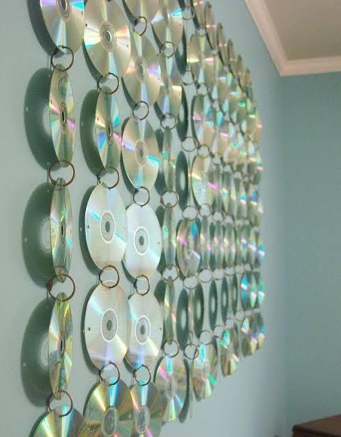 Hiasan dinding kreatif dari kepingan cd