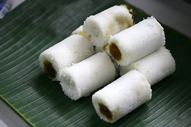 Kuih Putu Bambu