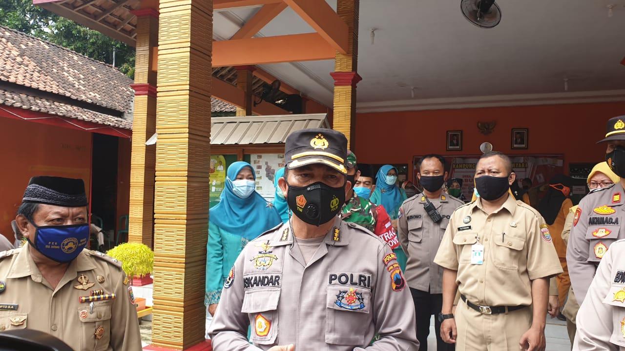 Tinjau PPKM Skala Mikro, Kabid Humas Polda Jateng Kunjungi Dua Titik Lokasi di Batang