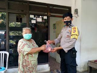 Polres Pelabuhan Makassar Kerahkan Bhabinkamtibmas Salurkan Daging Kurban