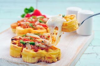 Bolognese Pizza Waffle