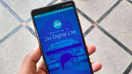 New jio recharge offers at Rs 1,699 which will give you 100% cashback