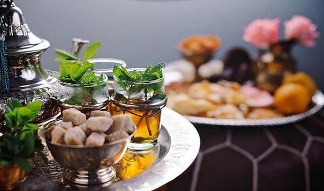 أضرار وفوائد شرب الشاي في وجبة السحور