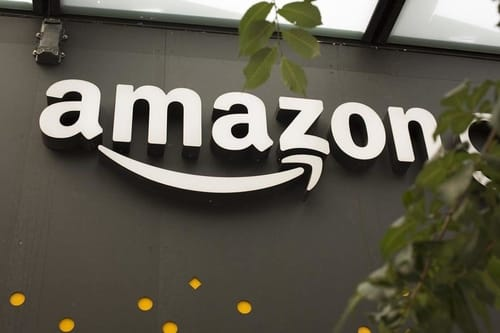 Newspaper: Amazon bans some competitors from advertising competing products