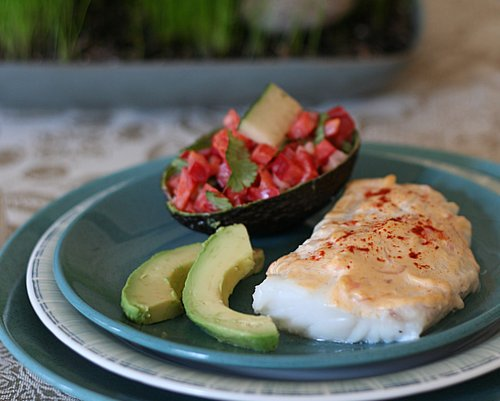 Easy Baked Fish with Red Pepper & Cucumber Salad, another Quick Supper ♥ KitchenParade.com, just pantry ingredients and on the table in 30 minutes! Low Carb. High Protein. Weight Watchers Friendly.