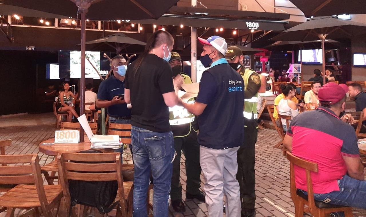 Cierran negocios por incumplir normas de espacio público en Villavicencio