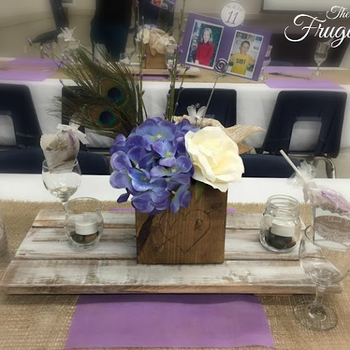 DIY Rustic Centerpiece Table Risers and Bridal Couple Flower Pots