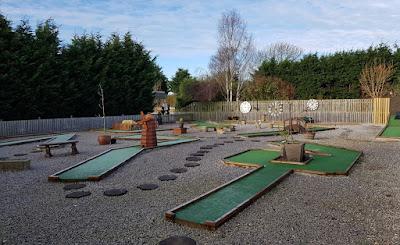 Sunnybank Gardens Crazy Golf course in Hatfield, Doncaster