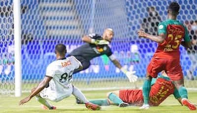 ملخص اهداف مباراة الاتفاق والشباب (4-3) الدوري السعودي