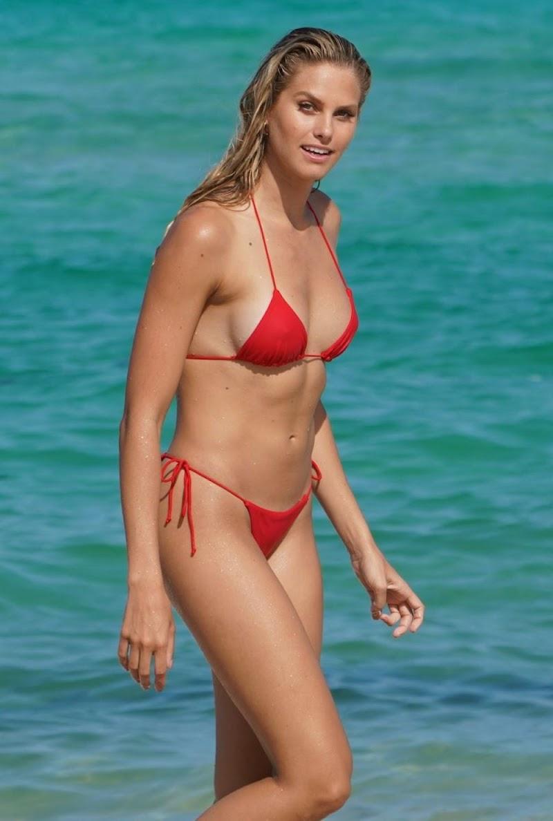 Natalie Roser, Bree Kleintop, Shannon Lawson Clicked in Bikini at Miami Beach 9 Jul -2019